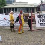 PM: Grenze dicht – Antifa macht Aktion im Bürgergarten in Hameln